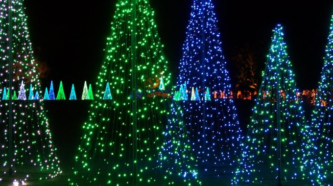 "USA Today Ranks Magic Christmas In Lights In ""10 Best Public Light Displays In America"""