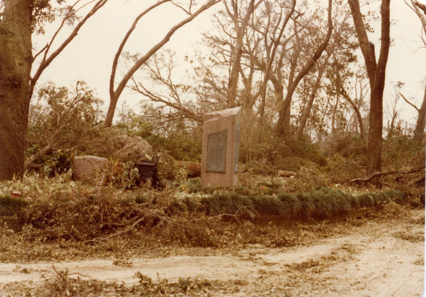 Hurricane Frederic Hits