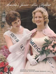 Broadcast journalist Diane Sawyer visited the Gardens after she was selected America's Junior Miss in 1963.