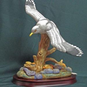 Porcelain Wingspread Seagull